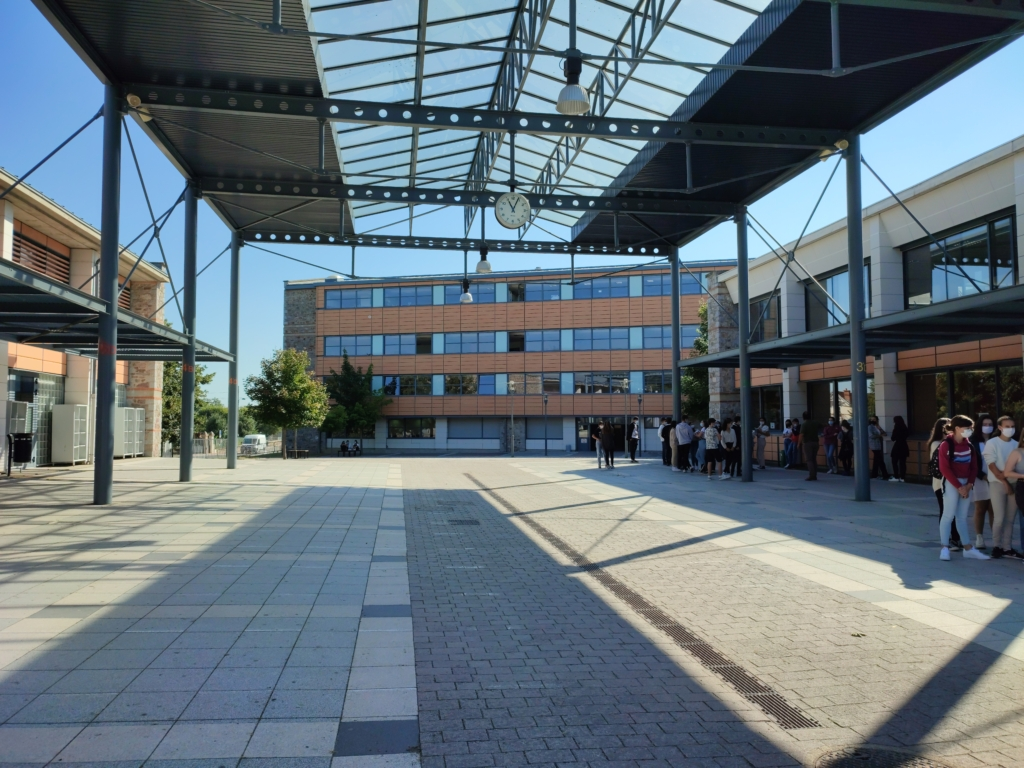 Cour Cité Scolaire