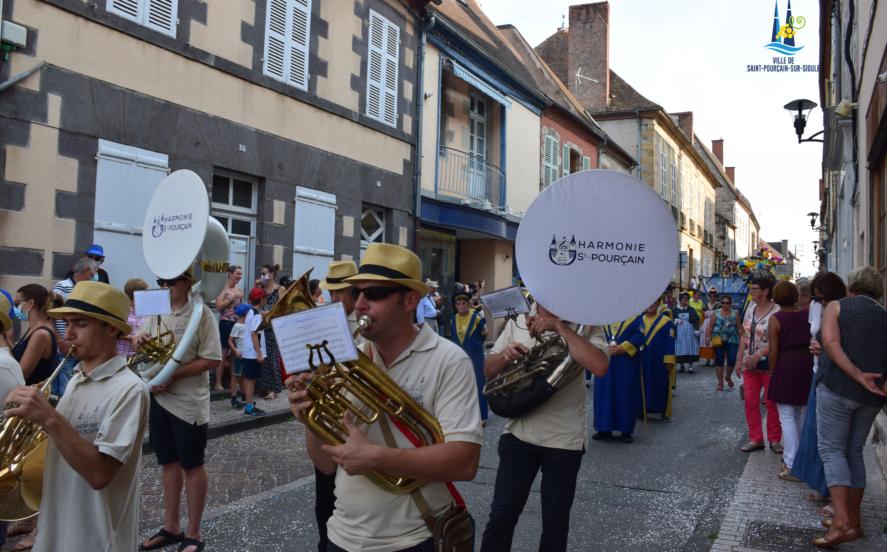 Défilé de l'harmonie de Saint-Pourçain
